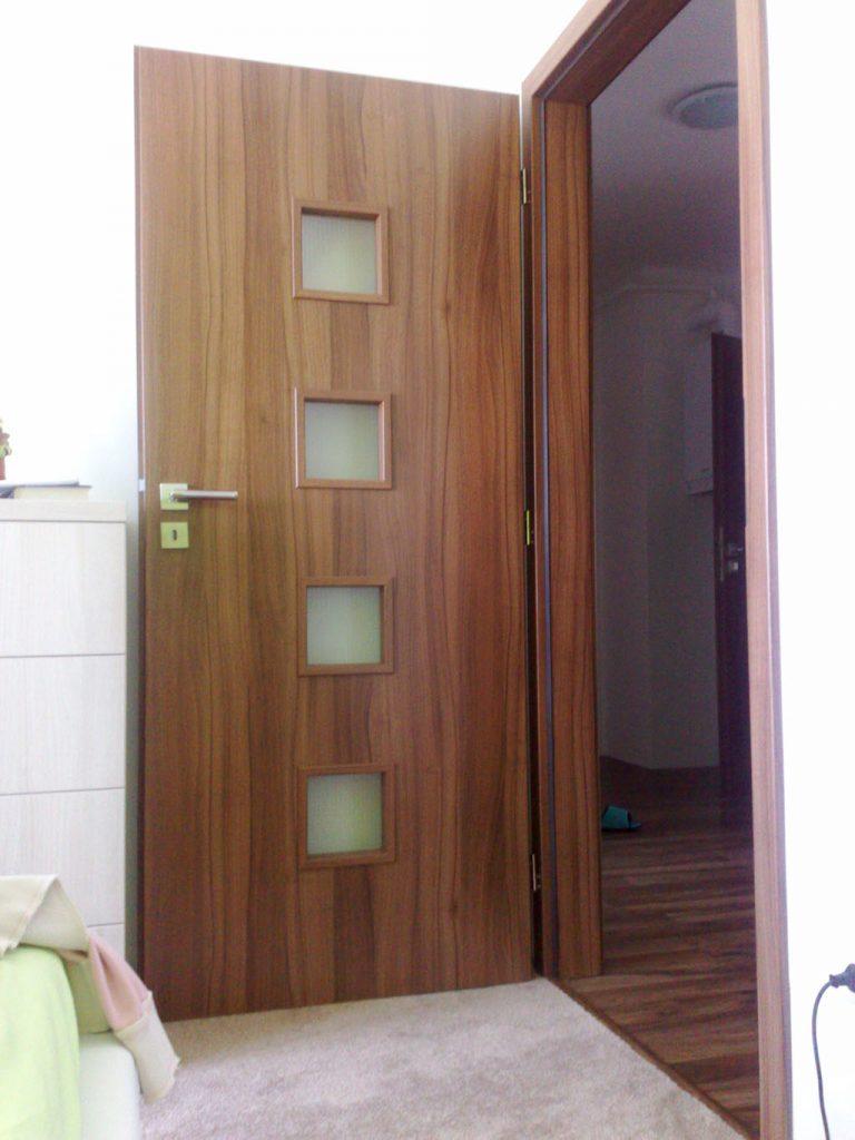 Dvere, interiérové dvere, realizacia, Ateliér Suchánek Bratislava Dúbravka showroom, motáž a servis Slovensko