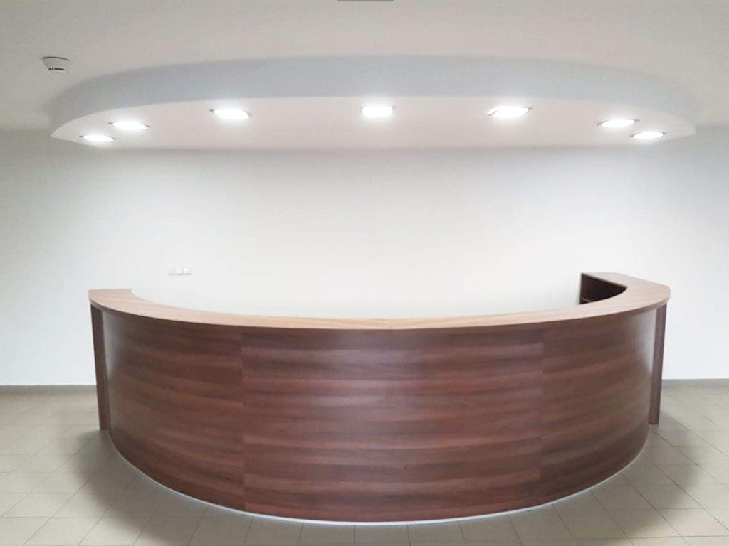 Recepcia pult, nábytok na mieru, kancelársky nabytok, realizacia interier, Ateliér Suchánek Bratislava Dúbravka showroom, motáž a servis Slovensko