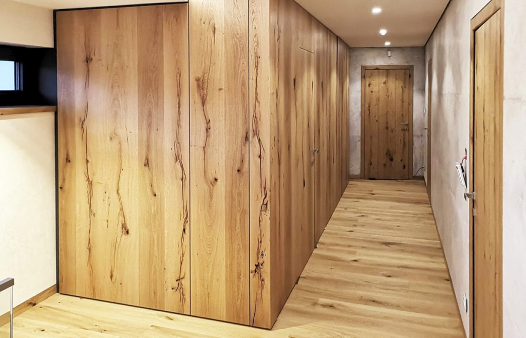 Dyhovane dvere Assoprogress, Atelier Suchanek Bratislava Dubravka showroom, motáž a servis, dvere na mieru