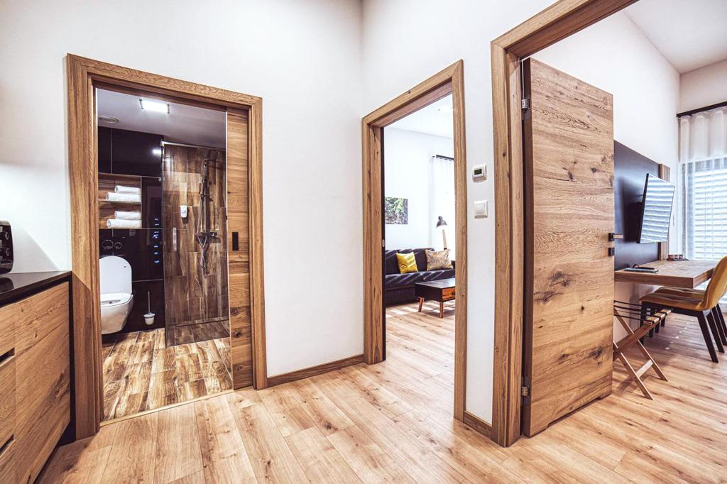 dvere dyhovane, realizacie dveri a zarubni na mieru nabytok atelier Suchanek dubravka bratislava