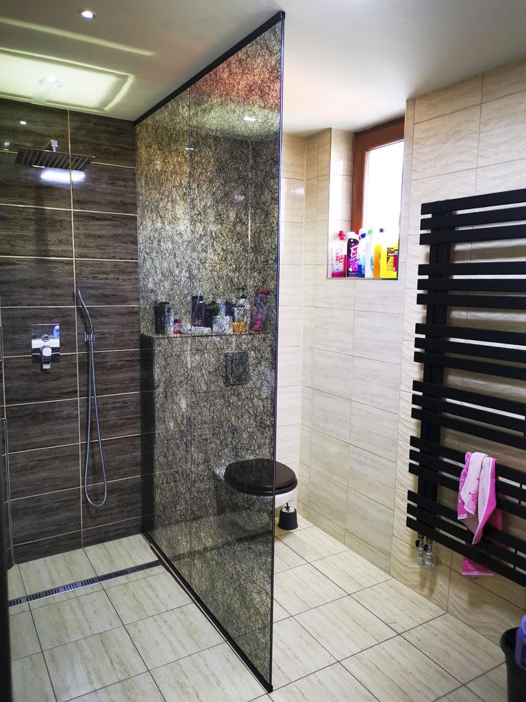 Sklo, skleneny sprchovy kut na mieru, Ateliér Suchánek Bratislava Dúbravka showroom, motáž a servis